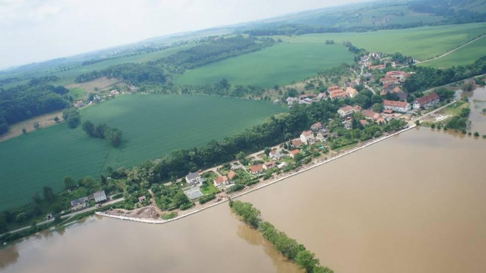 Luftaufnahmen Hochwasser - Richtung Meißen