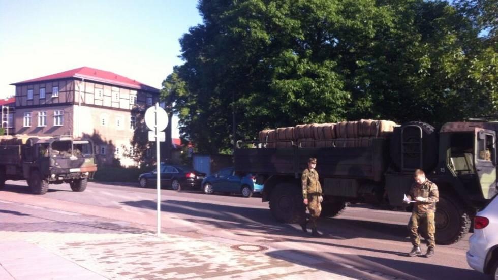 Bundeswehr liefert neue Sandsäcke (Foto: Redaktion)