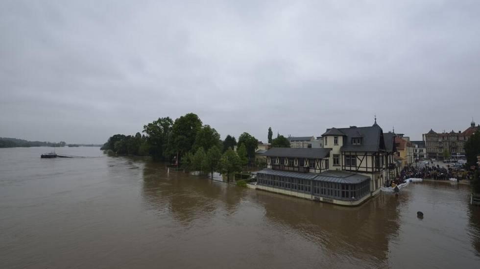 Blaues Wunder - Schillergarten unter Wasser (Foto: Redaktion)