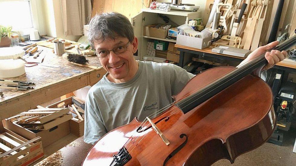 Steffen Friedel gewinnt den Deutschen Musikinstrumentenbaupreis 2018. (c) privat