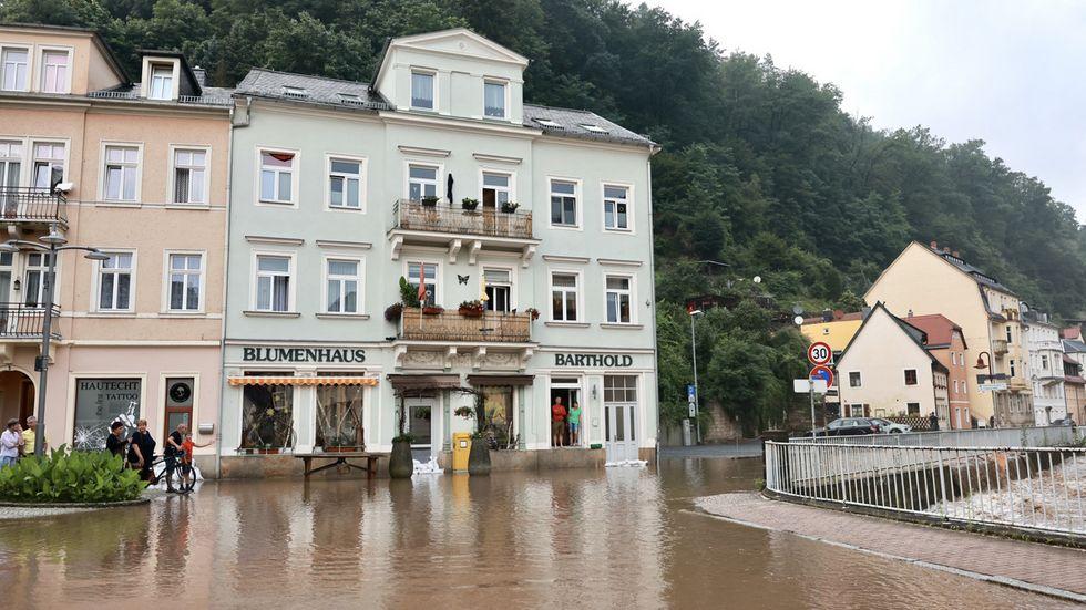 Überflutung in Bad Schandau. Die Kirnitzsch ist über die Ufer getreten