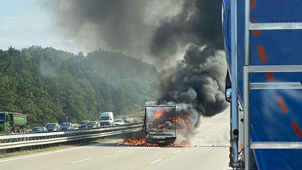 Transporterbrand auf der A4
