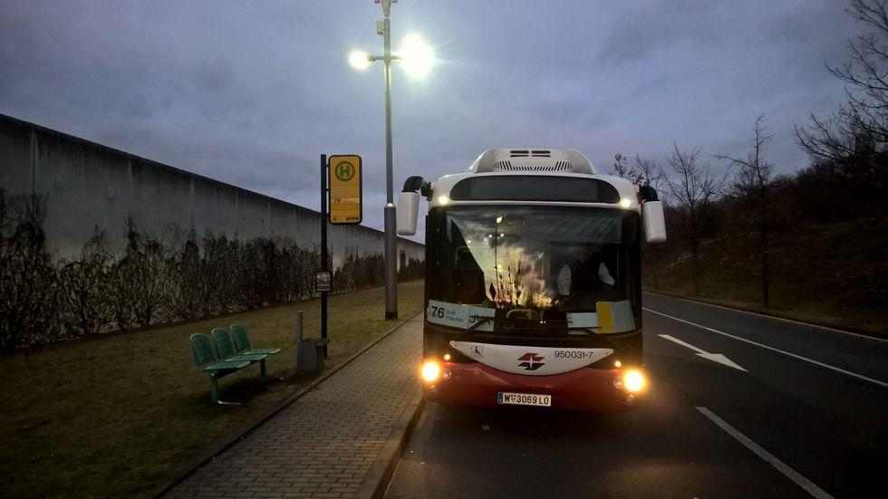 Seit Montag war der Bus im Testbetrieb (Foto: DVB AG)