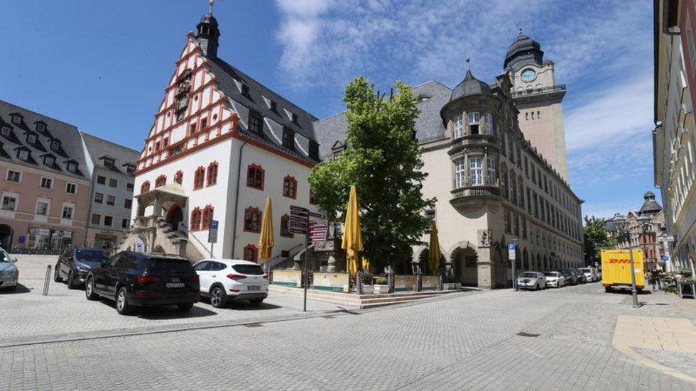 """Die als rechtsextrem geltende Partei """"Freie Sachsen"""" hatte in Plauen einen Aufzug geplant."""