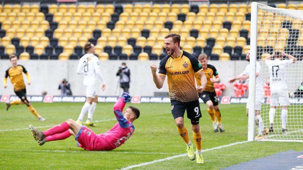 Pascal Sohm jubelt über seinen Treffer zum 3:0 gegen Ingolstadt