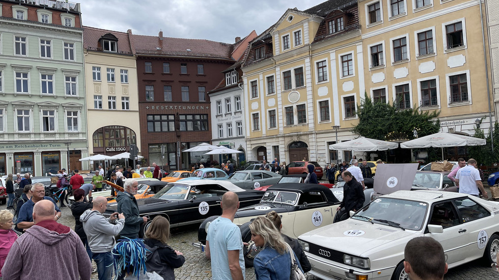 Schaulustige in Görlitz
