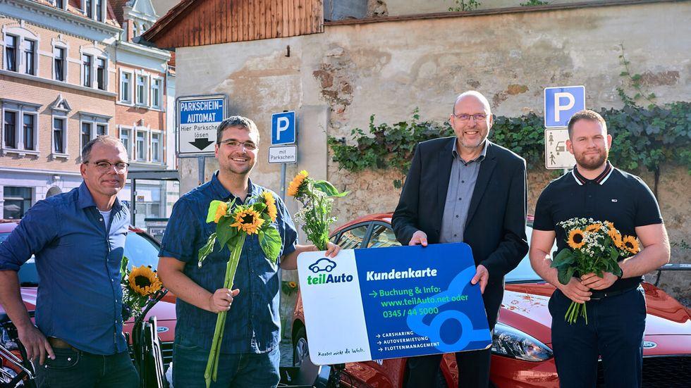 v.l.n.r. Frank Buchholz (Mitglied Bürger für Meißen), Martin Schmidt (teilAuto-Regionalleiter), Olaf Raschke (Oberbürgermeister Meißen), Anatoly Arkhipov (Verkehrsplanung Stadt Meißen)